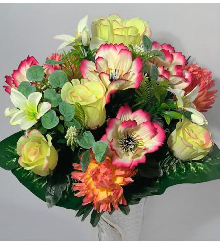 Розы, хризантемы и ноготки с веточками эвкалипта, 15 головок